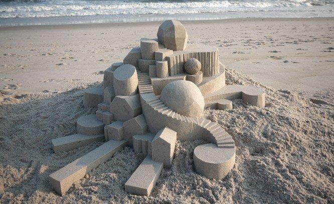 Quando um artista resolve brincar de fazer castelinhos de areia