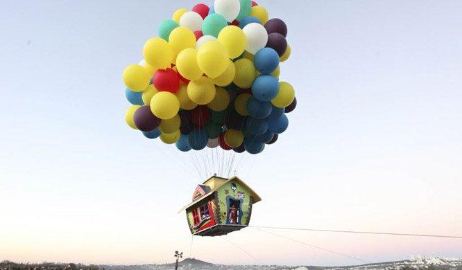 O primeiro homem a atravessaro Atlântico com balões de hélio