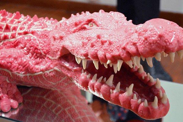 Esculturas feitas com chiclete chegam a custar 40 mil libras