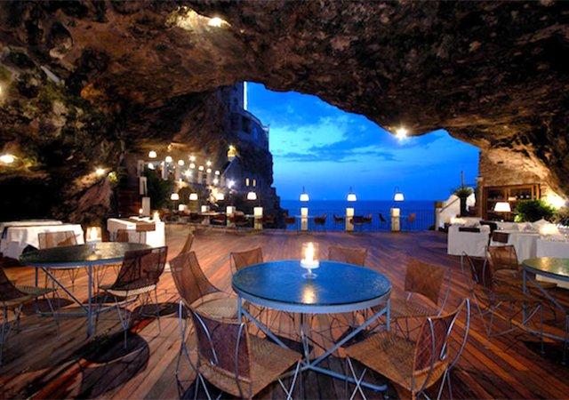 Conheça o fantástico restaurante construído dentro de uma caverna natural