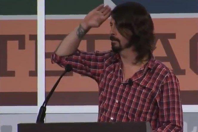 Dave Grohl dá palestra emocionante sobre paixão e sagacidade no SXSW 2013