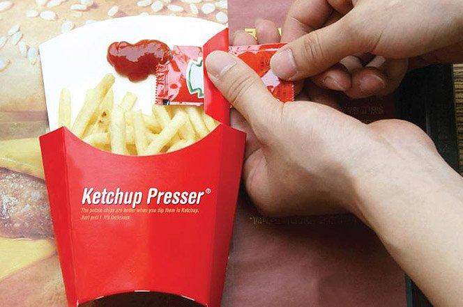 Finalmente um jeito prático de comer batatinhas com ketchup
