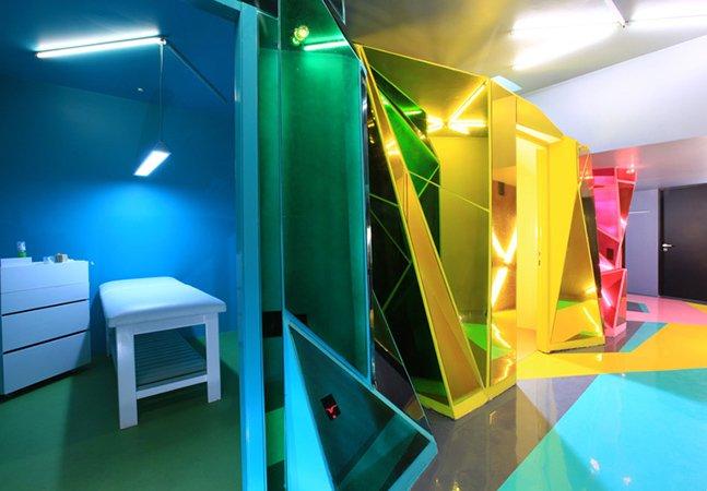 Nesse salão de beleza futurista fica fácil até fazer depilação