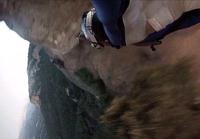 Vídeo impressionante mostra base jumper passando por uma fenda a 250km/h