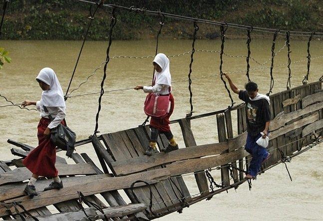 Children risking_13