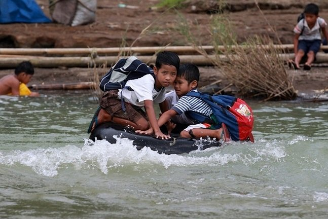 Children risking_17