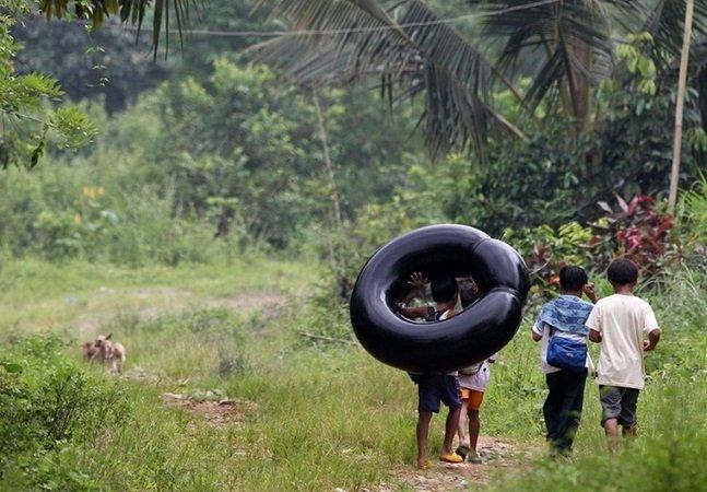 Children risking_19