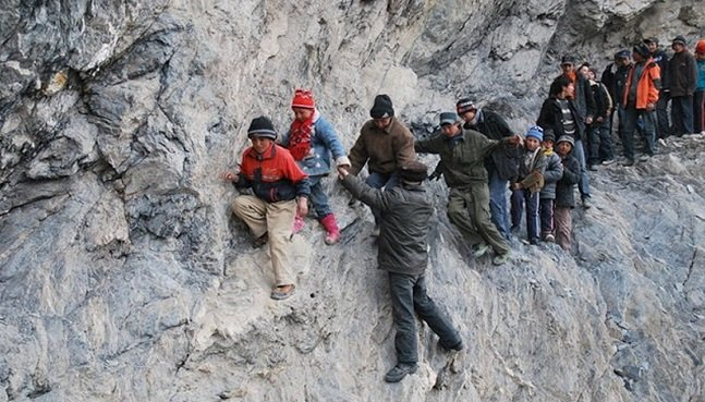 Children risking_21
