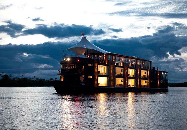 Hotel flutuante permite descobrir de perto a Amazônia
