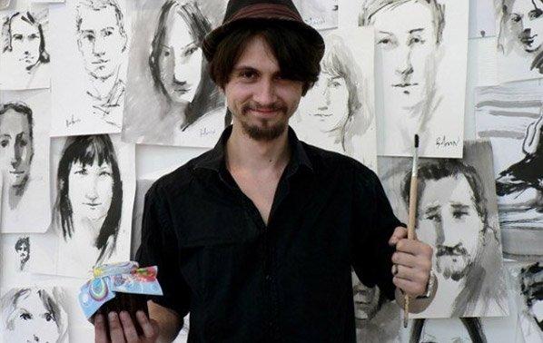 O artista russo que vive sem dinheiro trocando retratos por bens e serviços