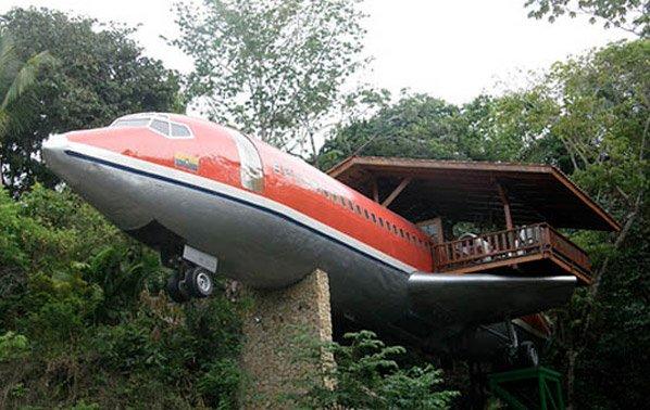 Conheça a suíte de hotel construída dentro de um avião Boeing 727