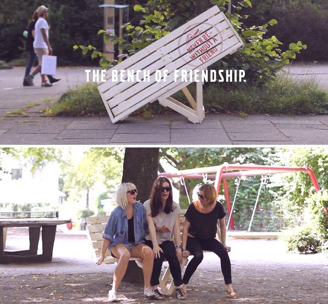 Para incentivar a amizade, empresa cria banco onde é impossível sentar sozinho