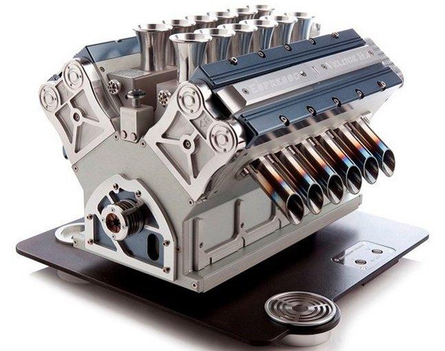 Empresa italiana cria cafeteira  em formato de motor de carro