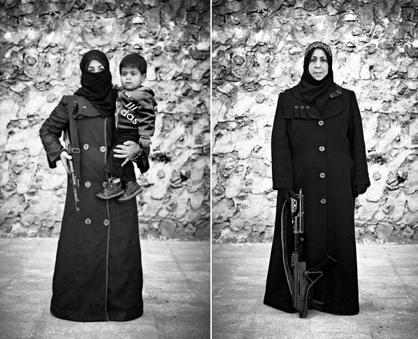 As mulheres armadas da Síria que vão pra batalha pra proteger suas famílias