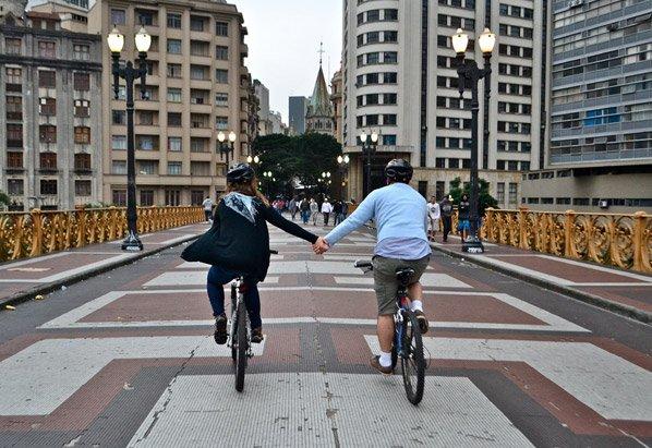 Virada do Afeto: fotógrafa capta cenas de amor na Virada Cultural 2013