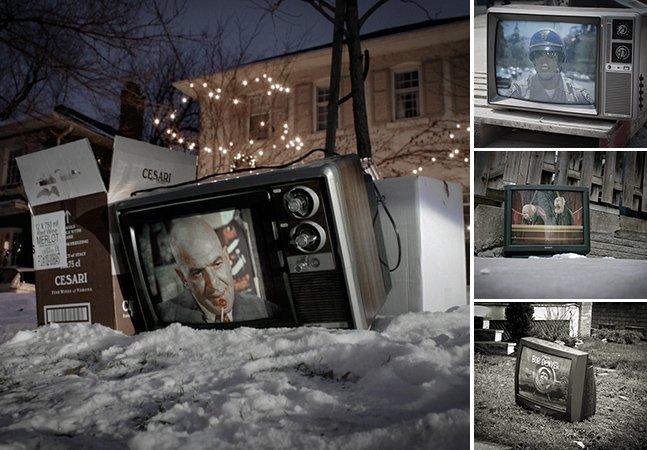 Intervenção urbana espalha TVs com cenas de programas antigos pelas ruas