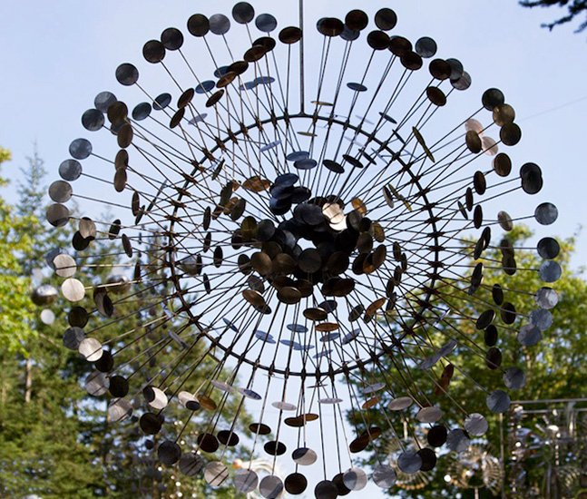 Conheça as esculturas hipnotizantes movidas pelo vento