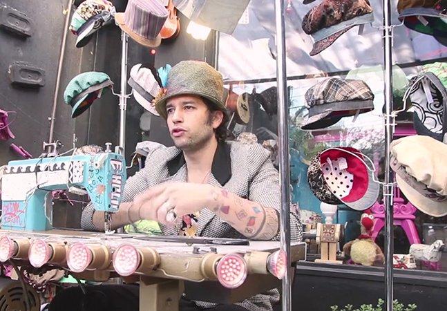 Conheça o homem que largou a carreira consolidada para fazer chapéus