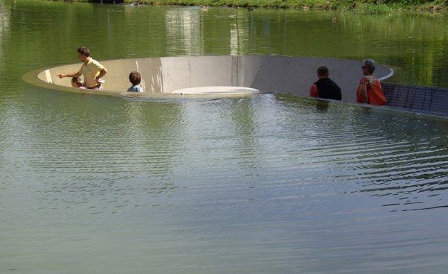Como se sentar no meio de um lago sem se molhar