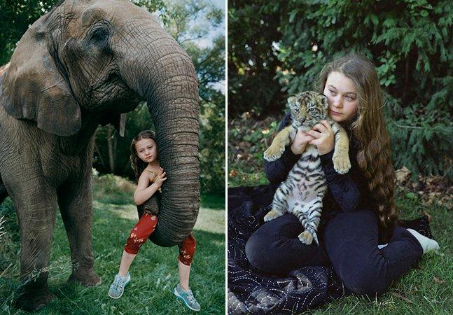 Fotógrafa capta filha com animais de várias espécies ao redor do mundo