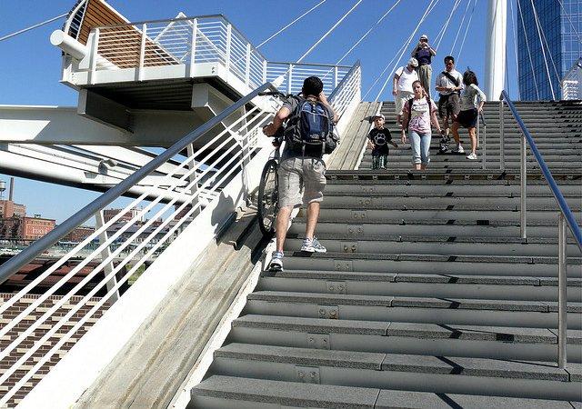 Você nunca mais vai ter problemas pra subir escadas com a sua bike