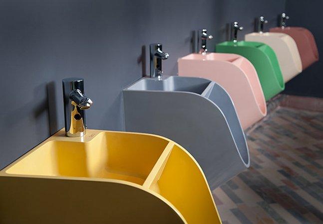 Será que agora os homens vão lavar as mãos depois de ir ao banheiro?