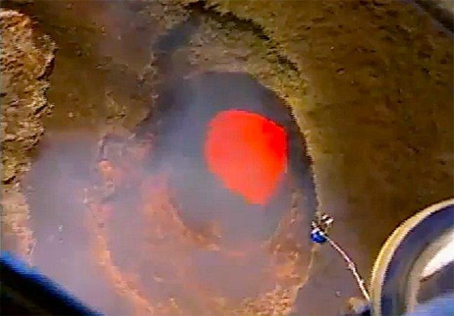 Que tal fazer um bungee jumping num vulcão ativo?