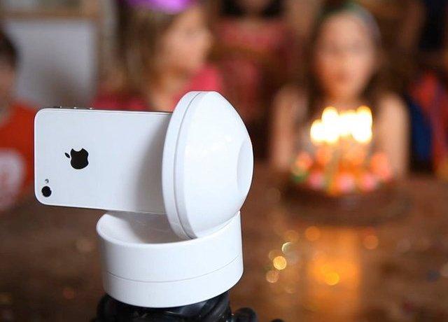 Gadget dispensa cameraman e te permite controlar o iPhone à distância