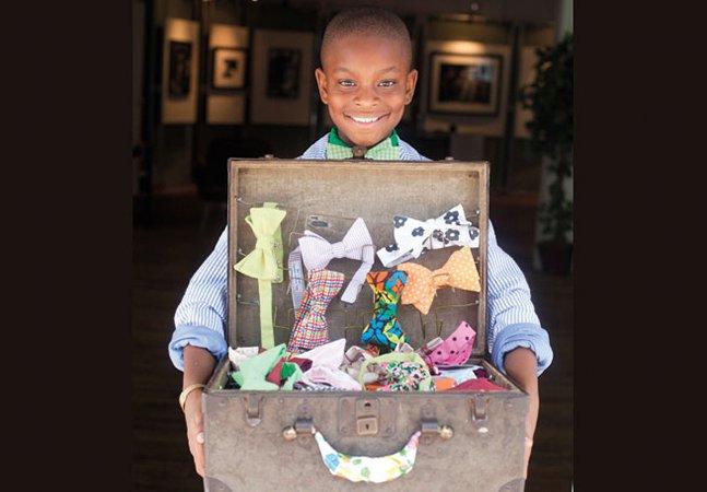 Menino de 11 anos fica rico vendendo na internet gravatas-borboleta feitas por ele