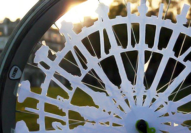 Designer cria animação em rodas  de bicicleta usando ilusão de ótica