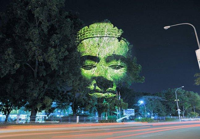 """Artista usa copas de árvores como """"tela"""" para suas obras"""
