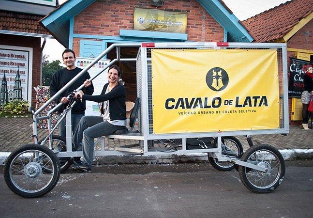 Projeto substitui cavalos de verdade por veículo sustentável feito de lata