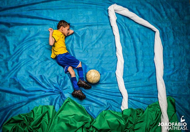 Projeto brasileiro coloca crianças deficientes em cenários de seus sonhos