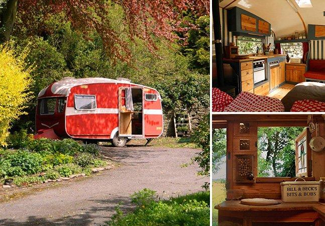 Casal transforma veículos velhos em confortáveis moradias