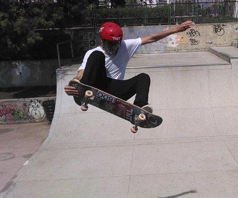Um rolê de skate com vídeos em slowmotion com Rony Gomes, campeão mundial de vertical
