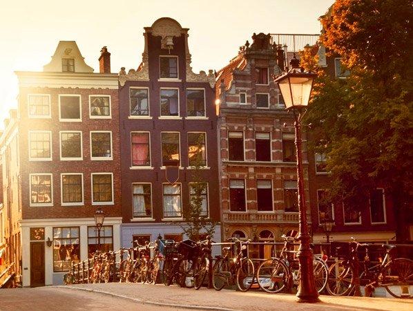 Estude na Holanda: cursos em inglês e bolsas de estudos para brasileiros