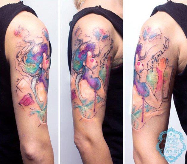 Conheça a tatuagem colorida da artista Candelaria Carballo