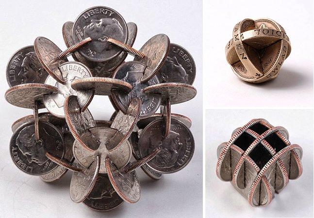 Artista cria complexas esculturas geométricas utilizando somente moedas