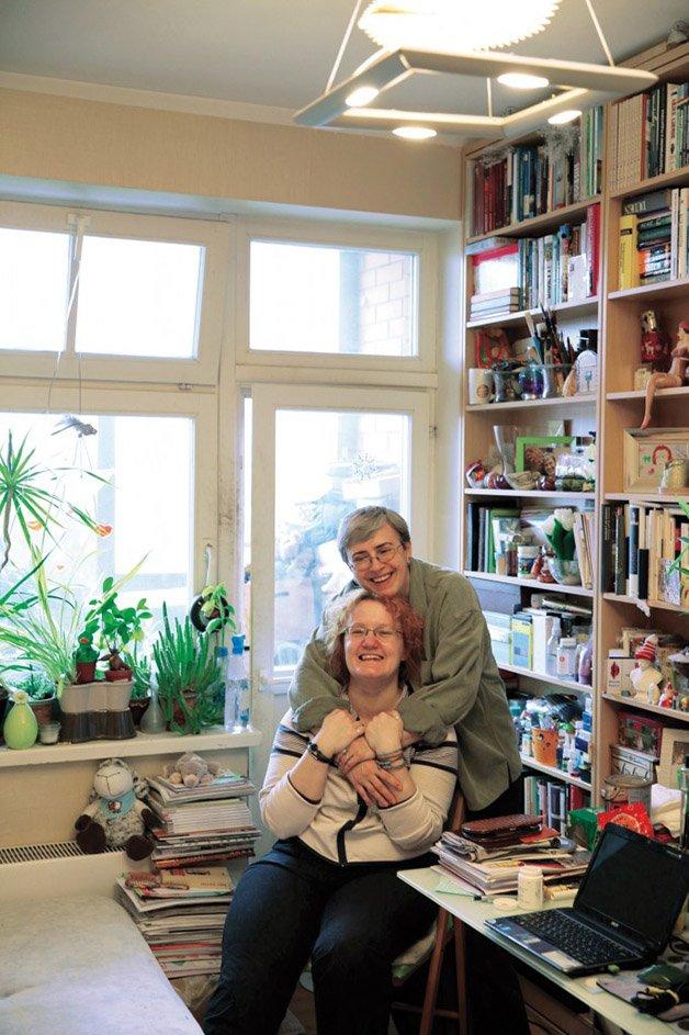 Olgerta-and-Sabine-aka-L-copy-682x1024