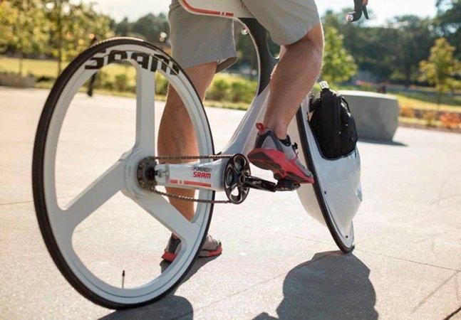 Reinventando a cestinha de bicicleta: Bagageiro na roda