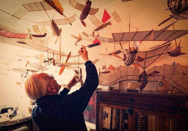 Conheça o criador de barcos voadores de 83 anos de idade