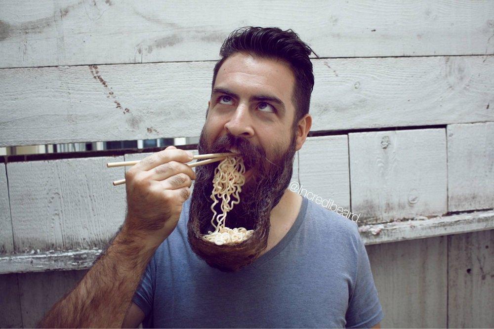 Homem faz sucesso no Youtube ao usar sua barba pra fazer tarefas do cotidiano