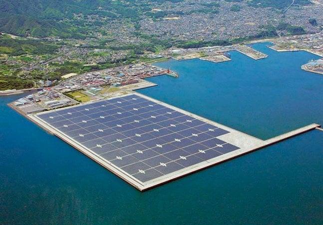 Japão inaugura usina solar gigante 2 anos após desastre nuclear de Fukushima