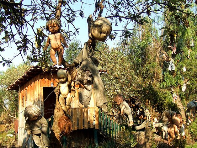 Mexicos-Haunted-Island-Of-The-Dolls-Is-Terrifying-12
