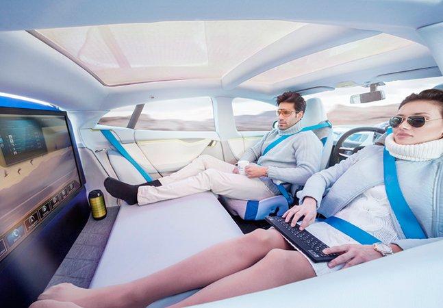 """Veículo do futuro dispensa motorista e já é chamado de """"escritório com rodas"""""""