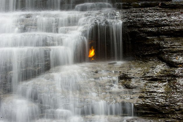 Eternal_flame_falls_7252