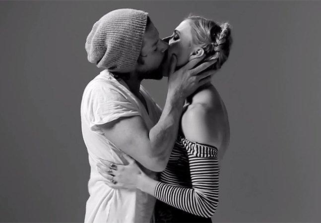 Vídeo que mostra 20 desconhecidos se beijando pela primeira vez acumula 21 milhões de views em dois dias