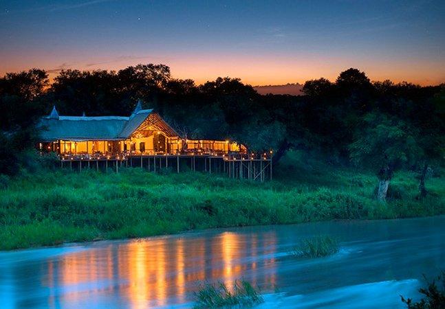 Durma com as estrelas: este hotel oferece uma experiência única no meio da selva africana