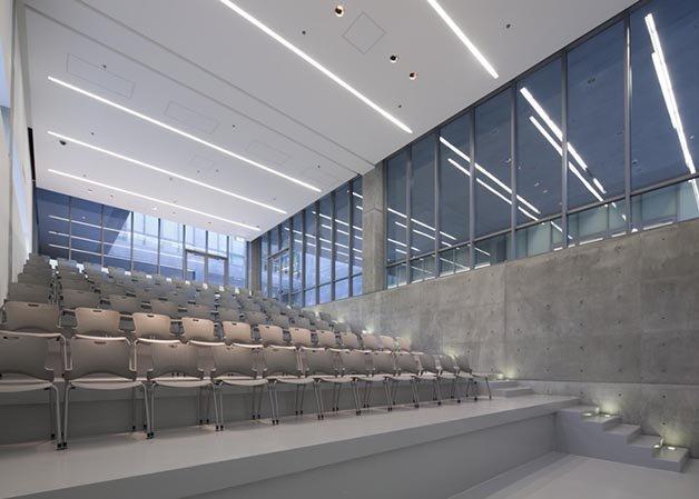 dezeen_Centro-Roberto-Garza-Sada-de-Arte-Arquitectura-y-Diseño-by-Tadao-Ando_ss_5
