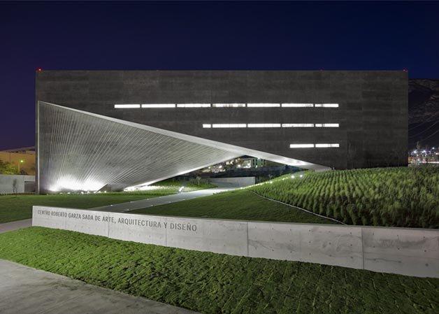 dezeen_Centro-Roberto-Garza-Sada-de-Arte-Arquitectura-y-Diseño-by-Tadao-Ando_ss_6